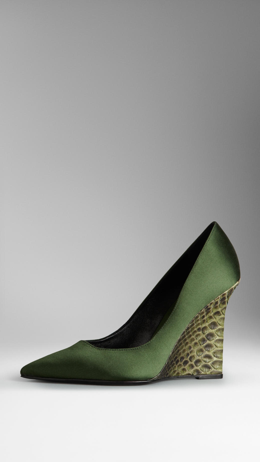 8bdab83d462b Burberry Satin Python Wedge Pumps in Green - Lyst