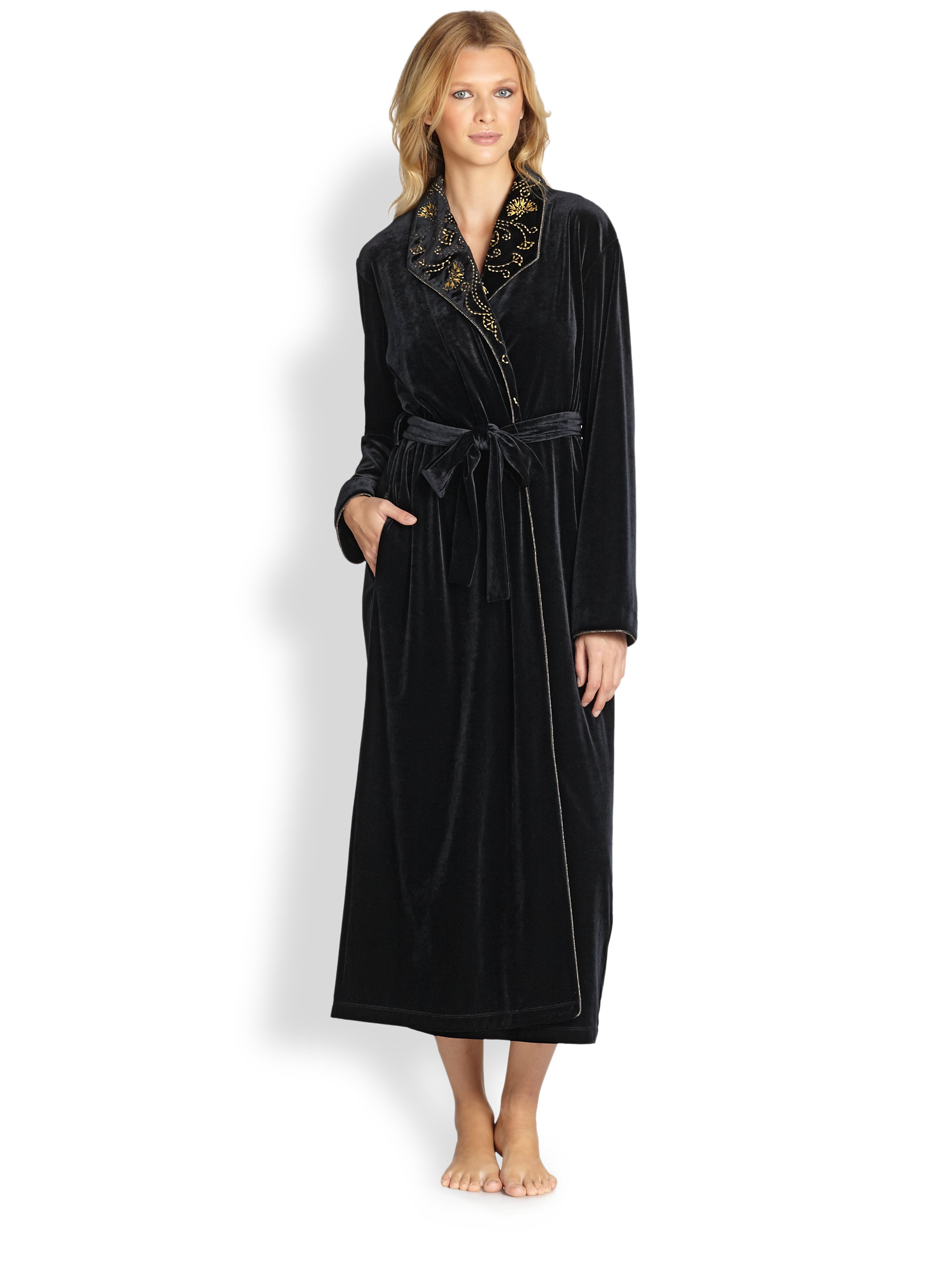 Oscar de la renta Embroidered Velvet Robe in Black  Lyst