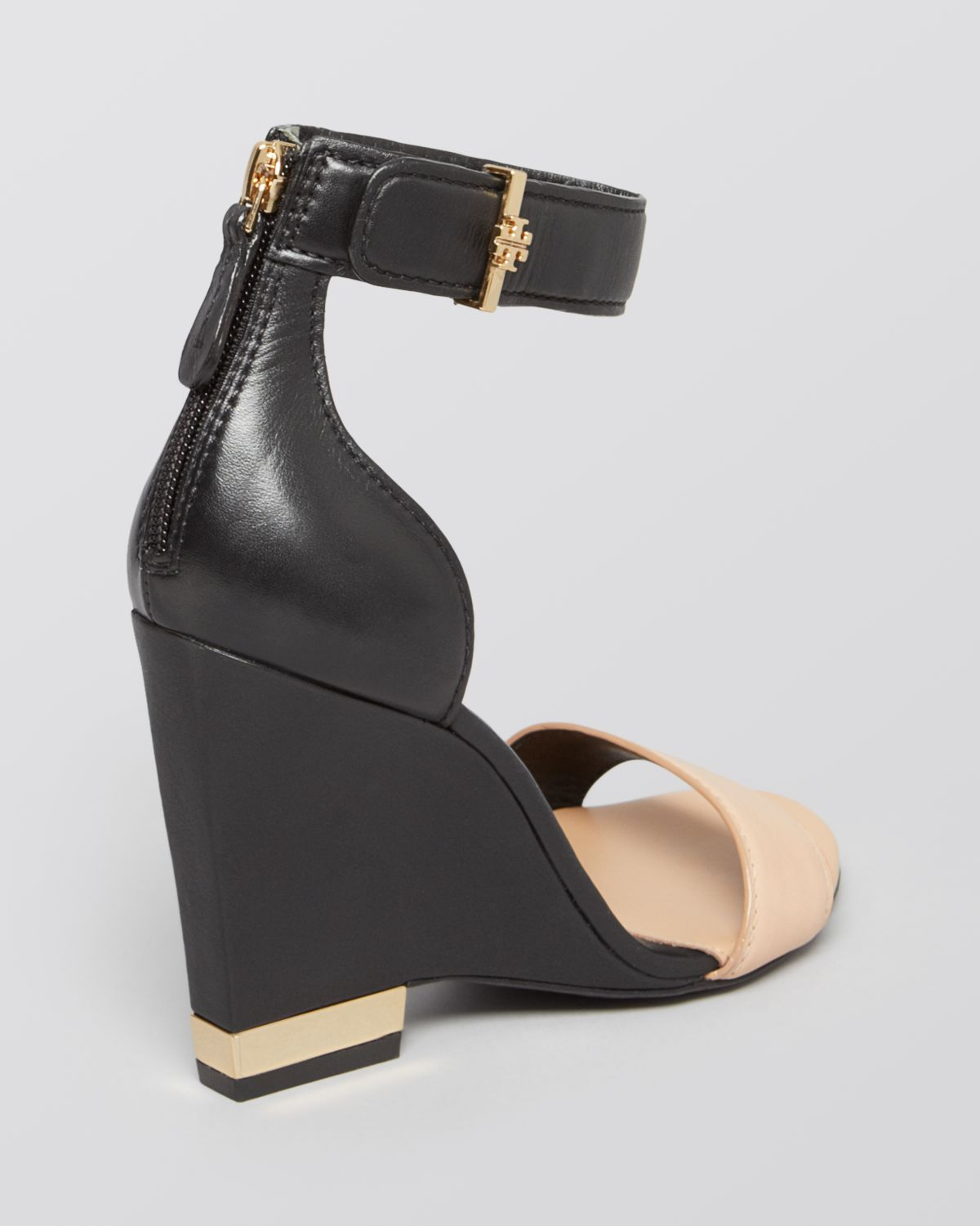 37387a0d6a89e Lyst - Tory Burch Wedge Sandals Carolyn in Black