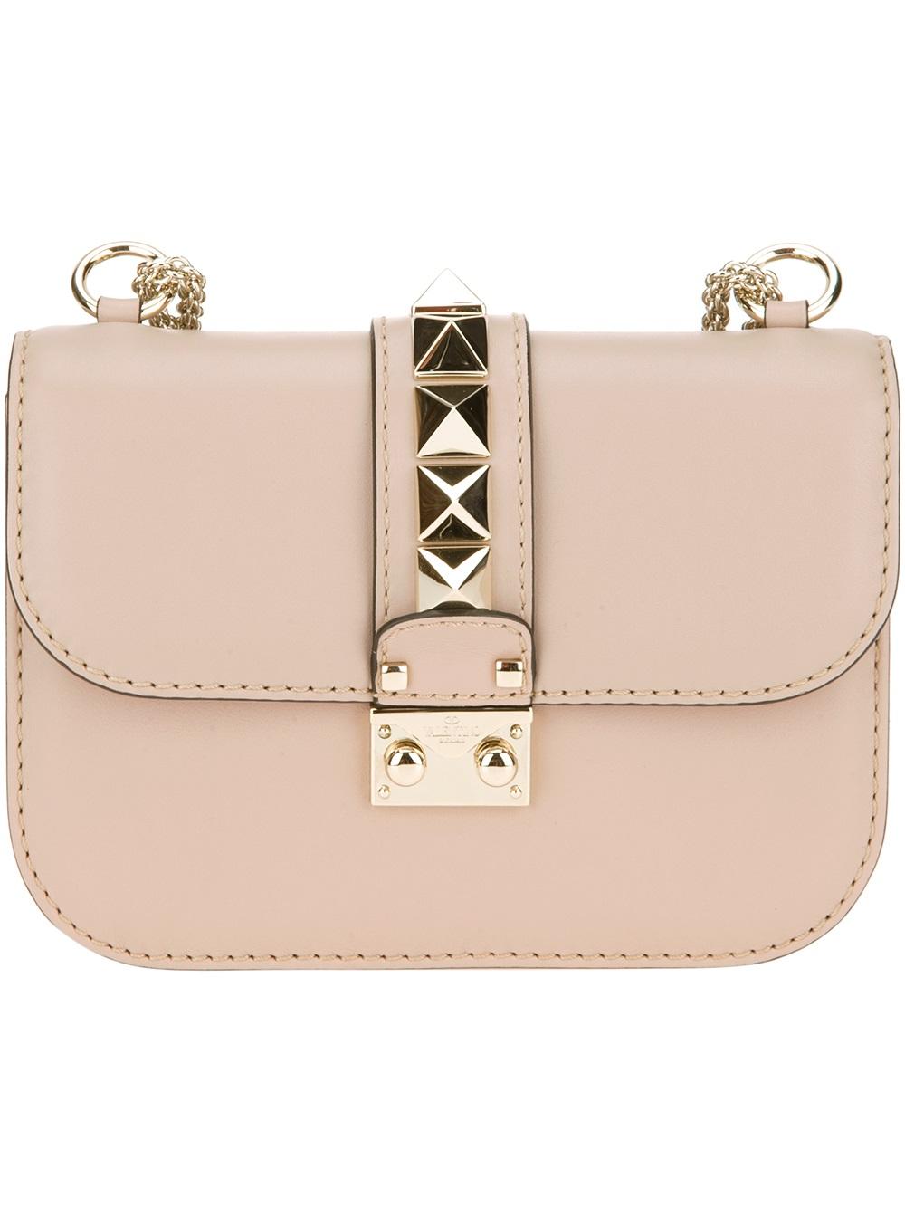 5a7b7e4a5d3 Valentino Rockstud Pochette in Pink - Lyst