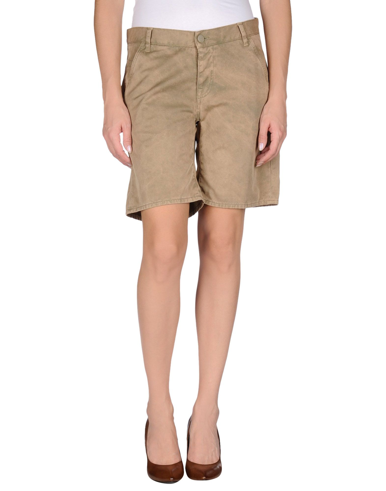 Bermuda shorts in khaki, navy, or twill lengthen your thighs and cover some skin while still showing off your beautiful calves and ankles. You can wear a pair of Bermuda shorts with a dressy top and your favorite sandals for a casual night out with your friends.