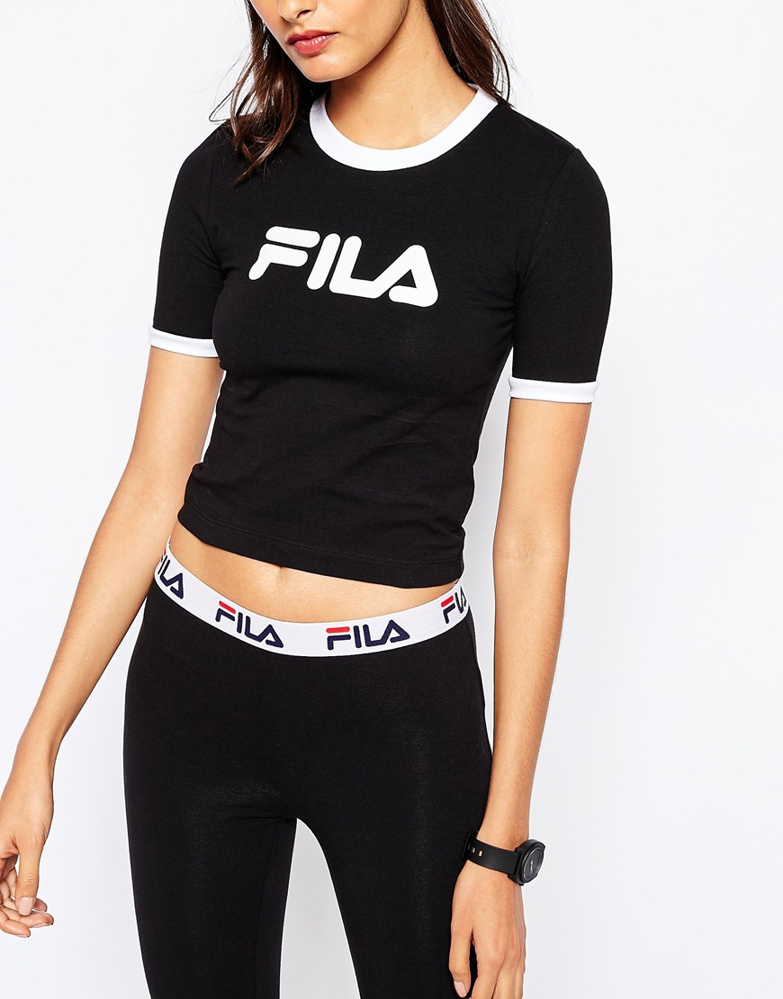 edf79cdd7aa7 Fila Cropped 90s T-shirt With Contrast Collar And Front Logo in Black - Lyst