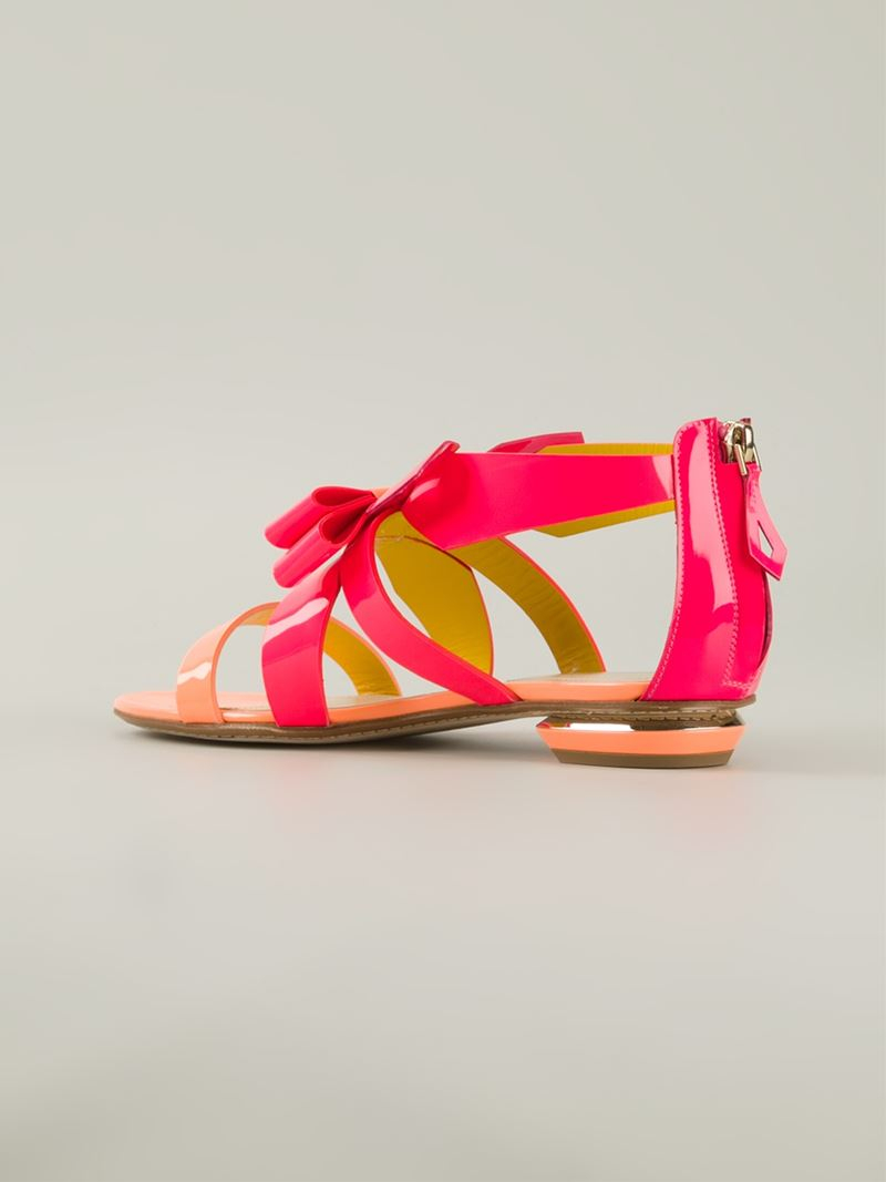 2fbdeec19625be Lyst - Nicholas Kirkwood Origami Patent-Leather Bow Sandals in Pink