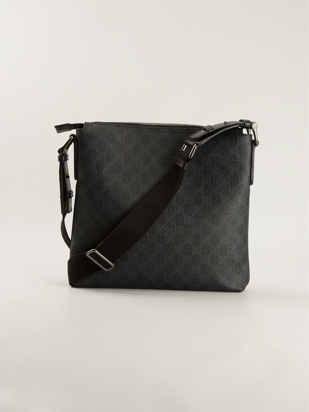 b1ad0e3520e702 Gucci Monogram Messenger Bag in Black for Men - Lyst