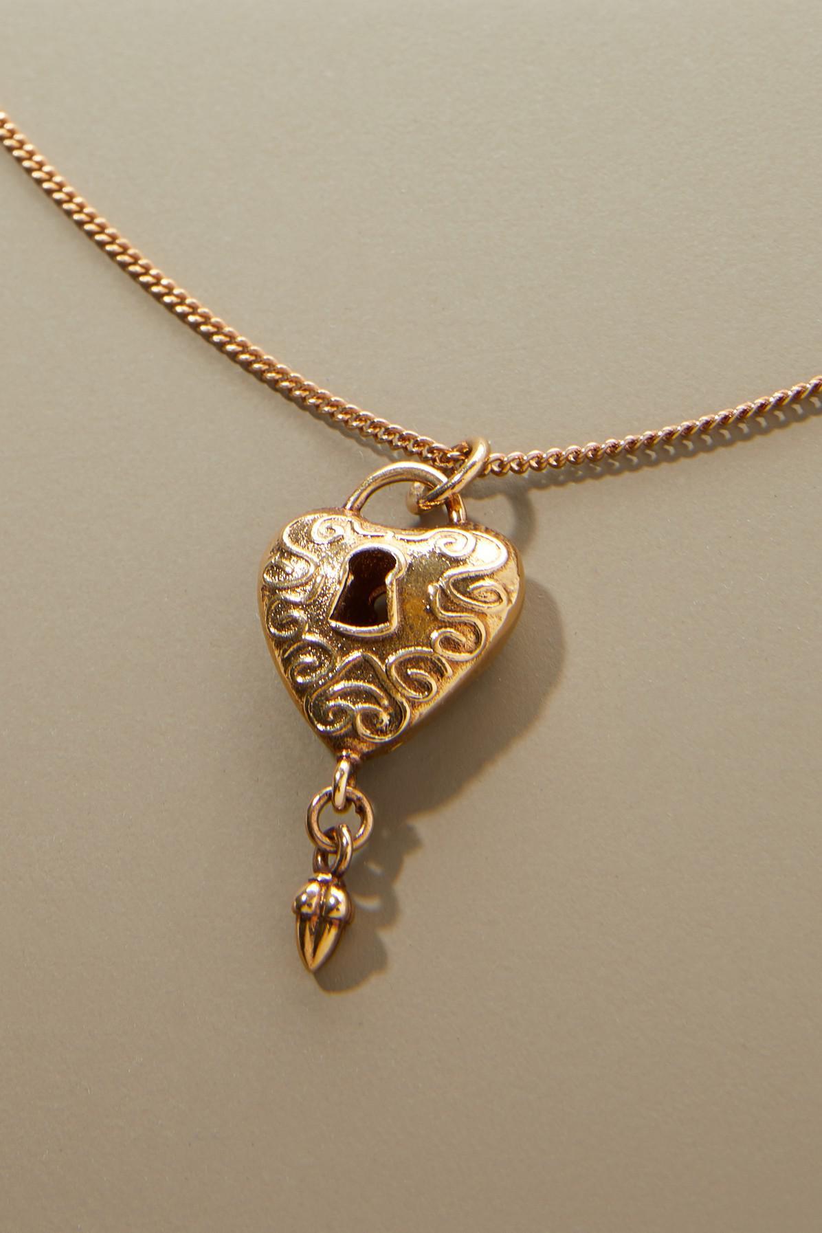 d41ce0c4 Chloé Metallic Heart Necklace