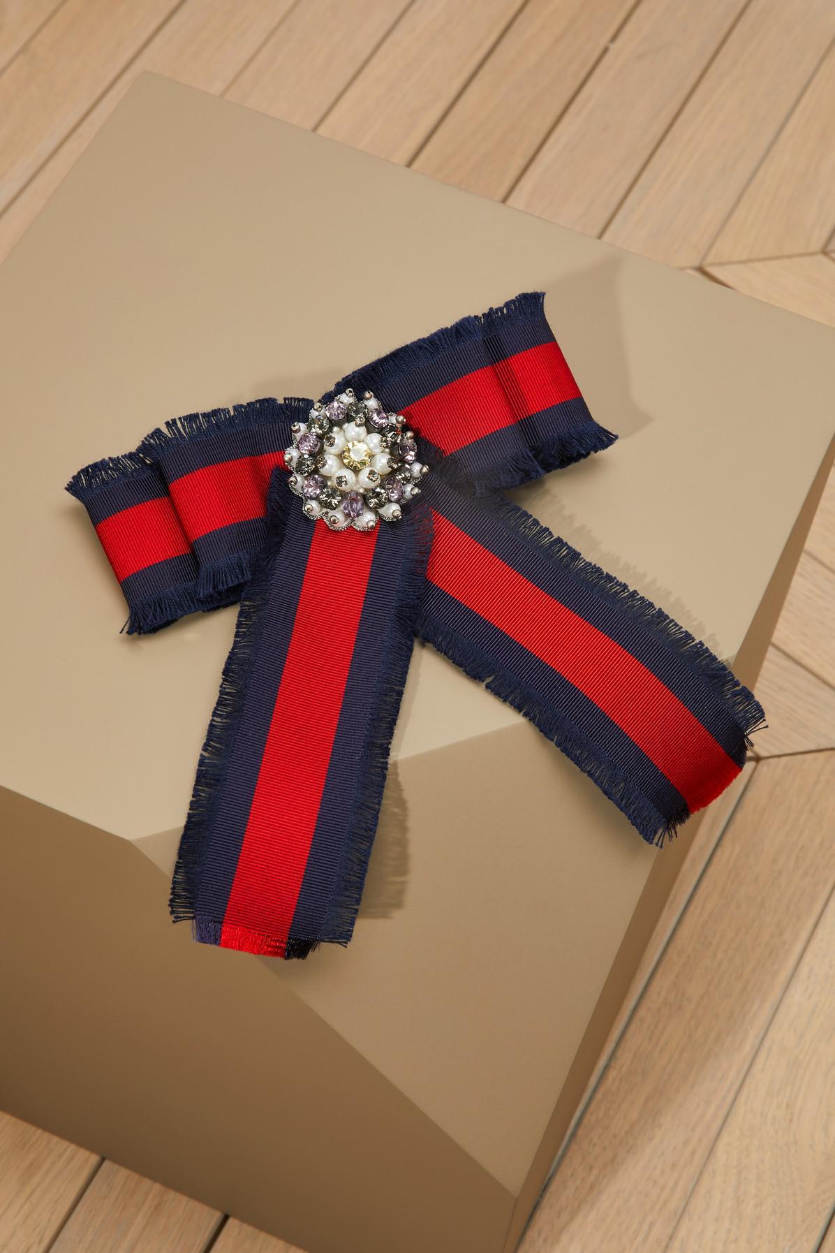 825faf63 Gucci Red Big Ribbon Brooch