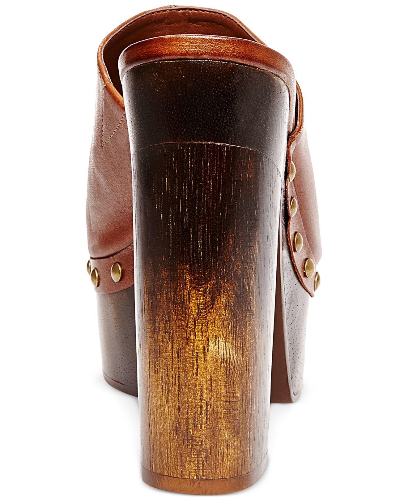 Walter Cunningham astronomía sentido  Steve Madden Leather Luhna Platform Clogs in Cognac (Brown) - Lyst