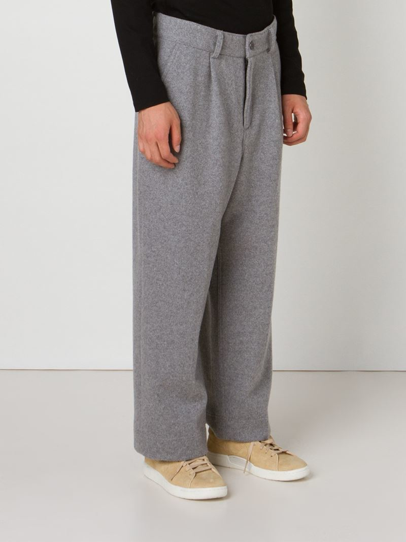 Mens wide leg pants and slacks reflect a culture and attitude that is uniquely African-American in nature. The full baggy cut that you find with a pair of wide leg dress pants gives the wearer maximum comfort almost like a pair of his favorite sweatpants and will hit your Stacy Adams Shoes just right.