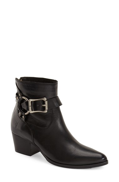 Black Ring Detail Toe Boots