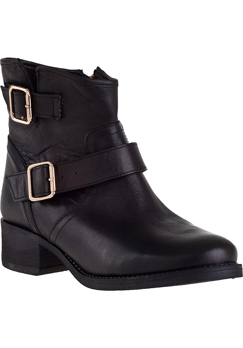 steve madden tiarra short boot black leather in black lyst. Black Bedroom Furniture Sets. Home Design Ideas