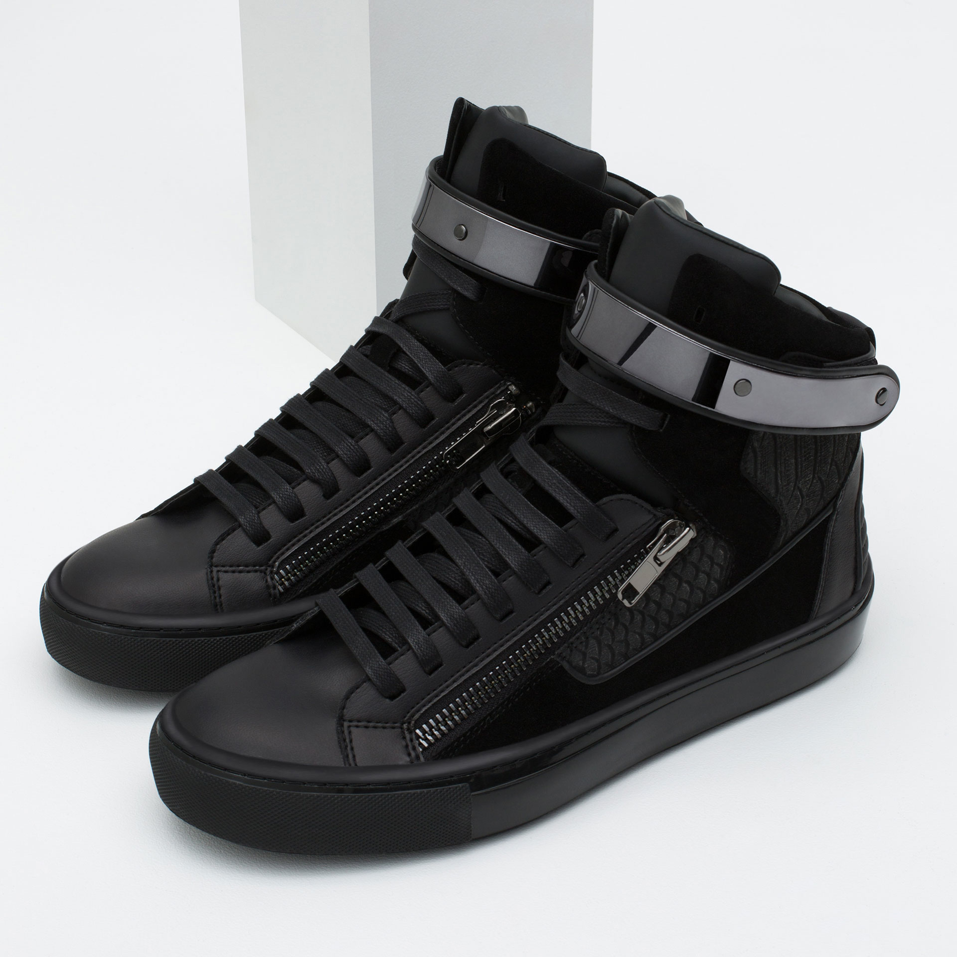 Zara High-top Sneakers With Metallic Closure in Black for ...