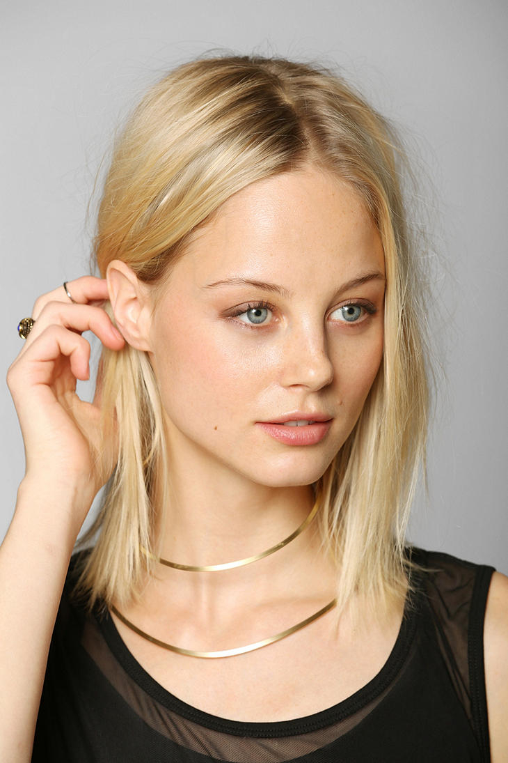 Urban Outfitters Aoko Su Neck Cuff Necklace In Gold