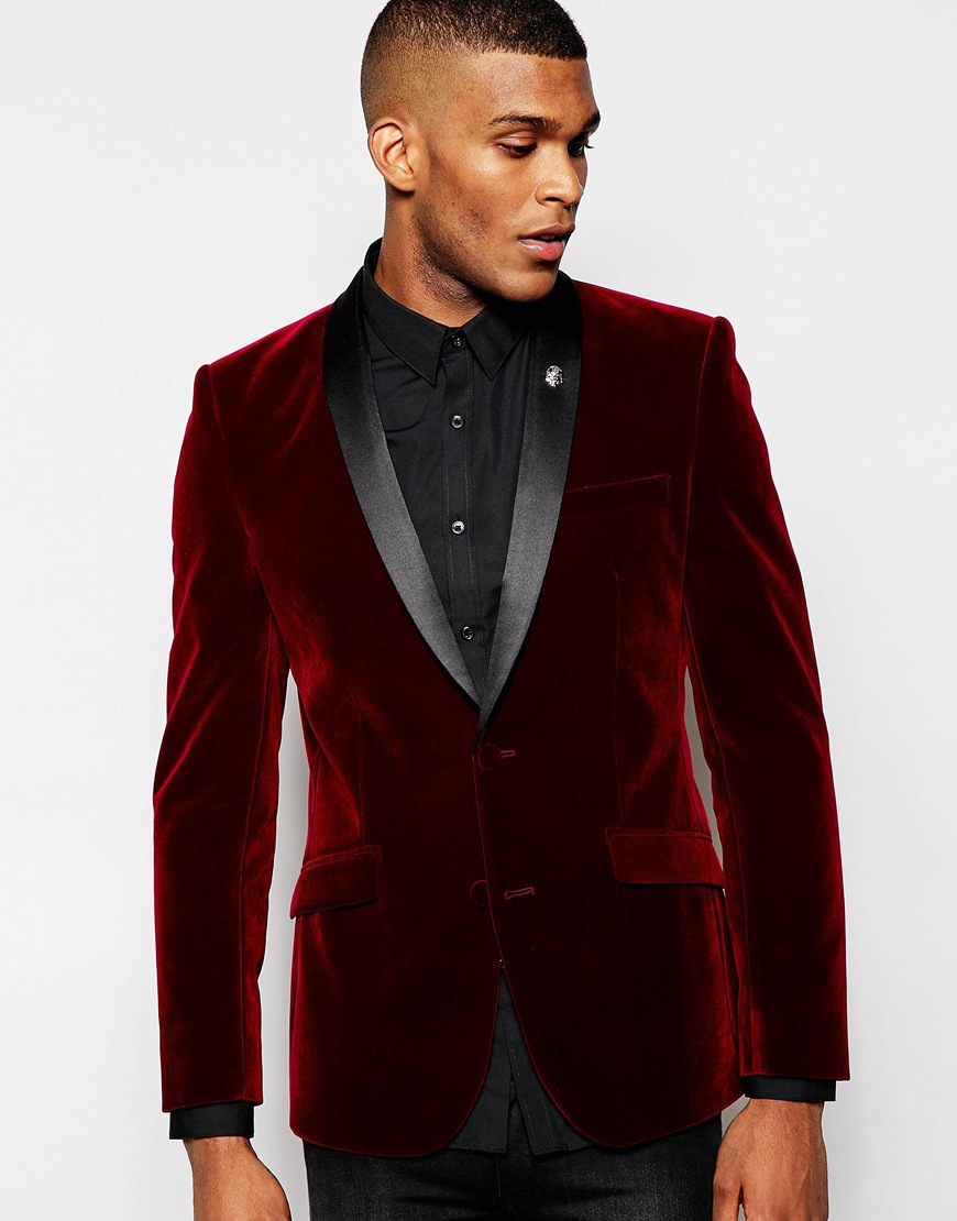 The Blazer Jacket. The blazer is a step lower than the suit jacket. It is a hybrid of sorts because it is more formal than a sports jacket but unlike the suit jacket, a blazer is not made with a matching pair of trousers. The Fit. Blazers have a looser fit compared to suit jackets. They are also not as structured especially in the shoulder area.