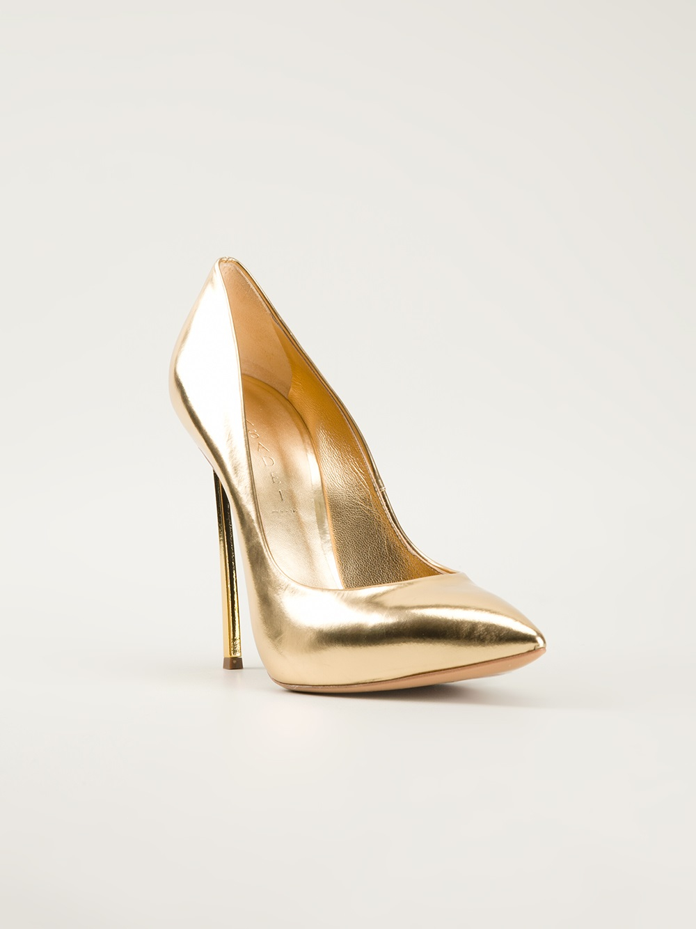 Gold Prom Shoes and Dress Shoes in Gold. Gold shoes bring a regal elegance to any prom dress or evening gown. With a Greek goddess-like feel, gold sandals and high heeled prom shoes in gold complement prom dresses of any color, from black to red and green.