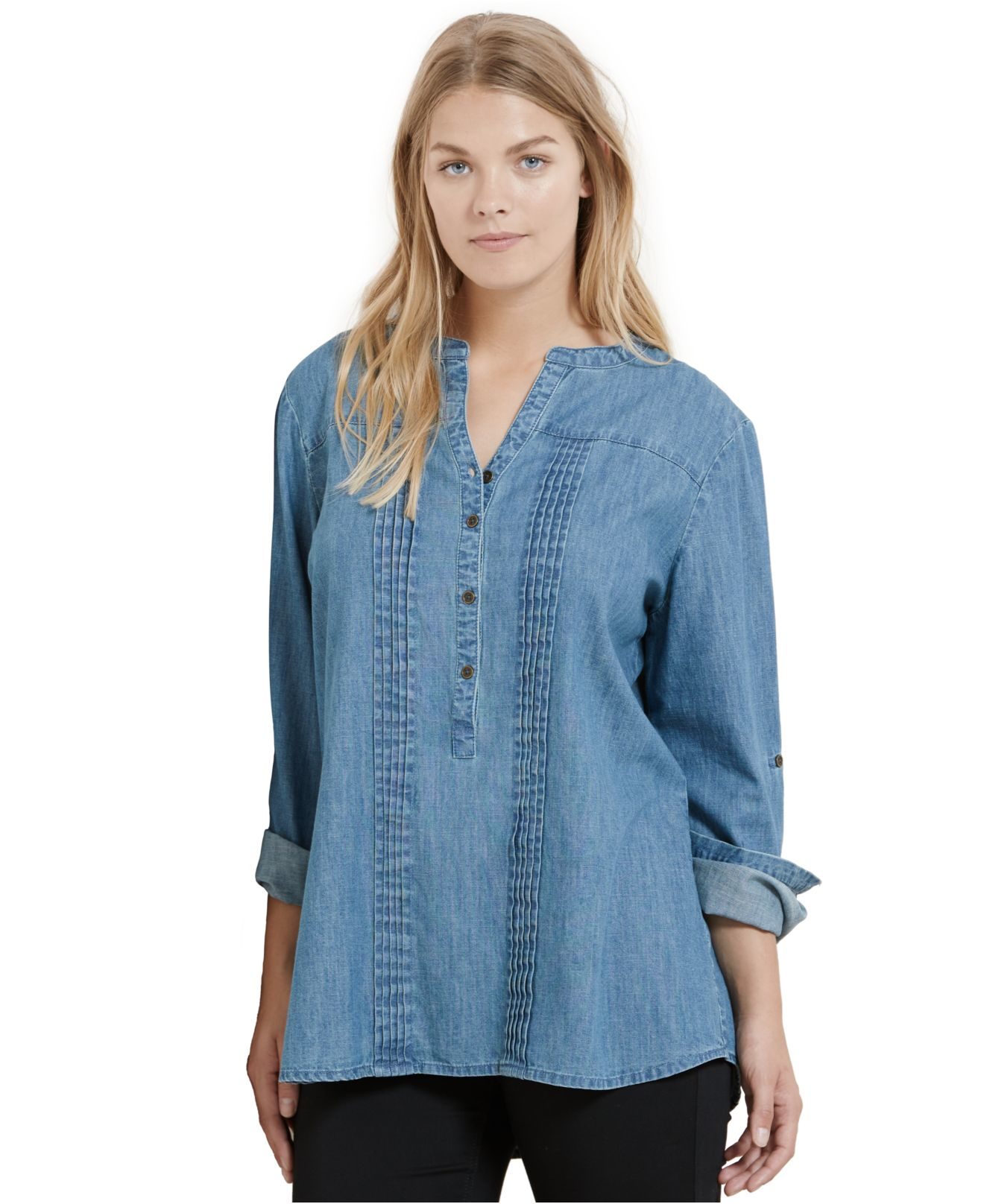 how to wear a denim shirt plus size