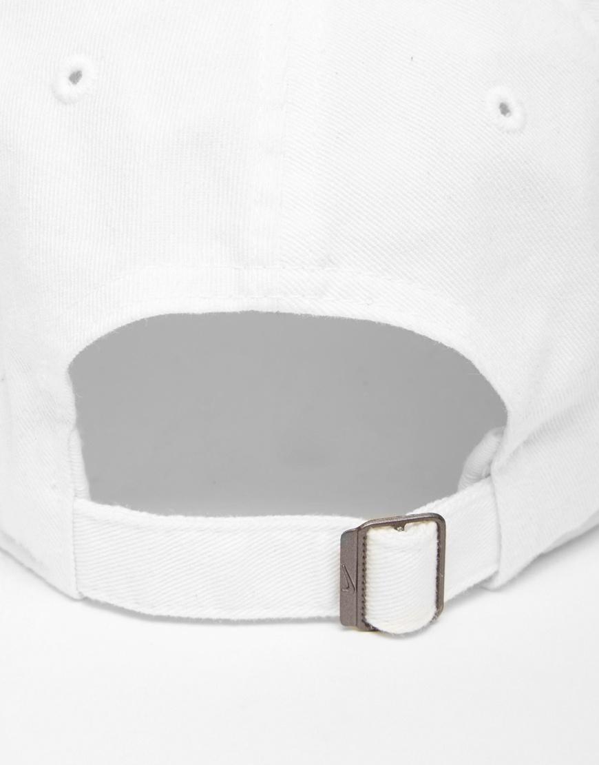 Nike 546126-100 Casquette à virgule Blanc