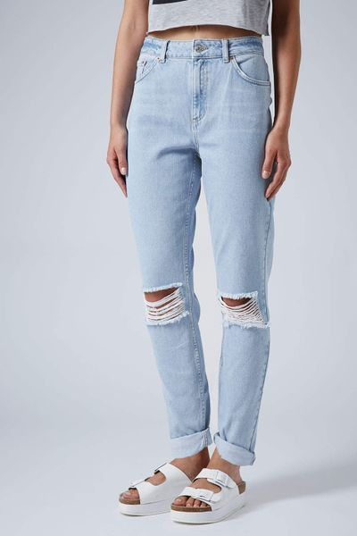 topshop moto baby blue ripped mom jeans in blue baby blue. Black Bedroom Furniture Sets. Home Design Ideas