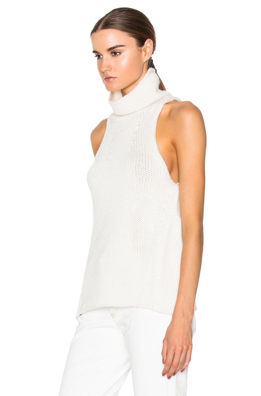 38f1c645ac001 White Sleeveless Turtleneck Shirt - BCD Tofu House