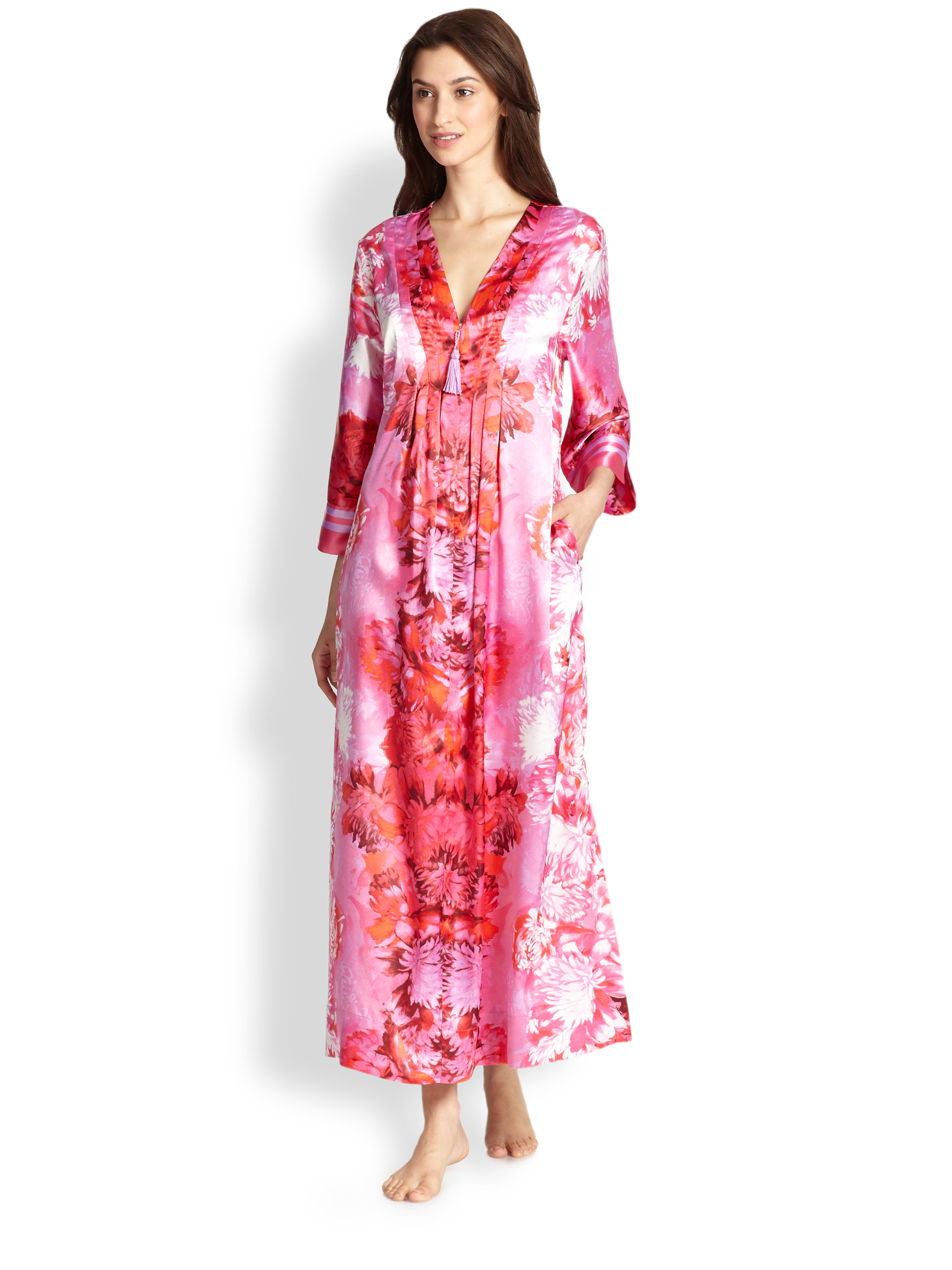 Oscar de la renta peonyprinted satin caftan in pink pink for Caftan avec satin de chaise
