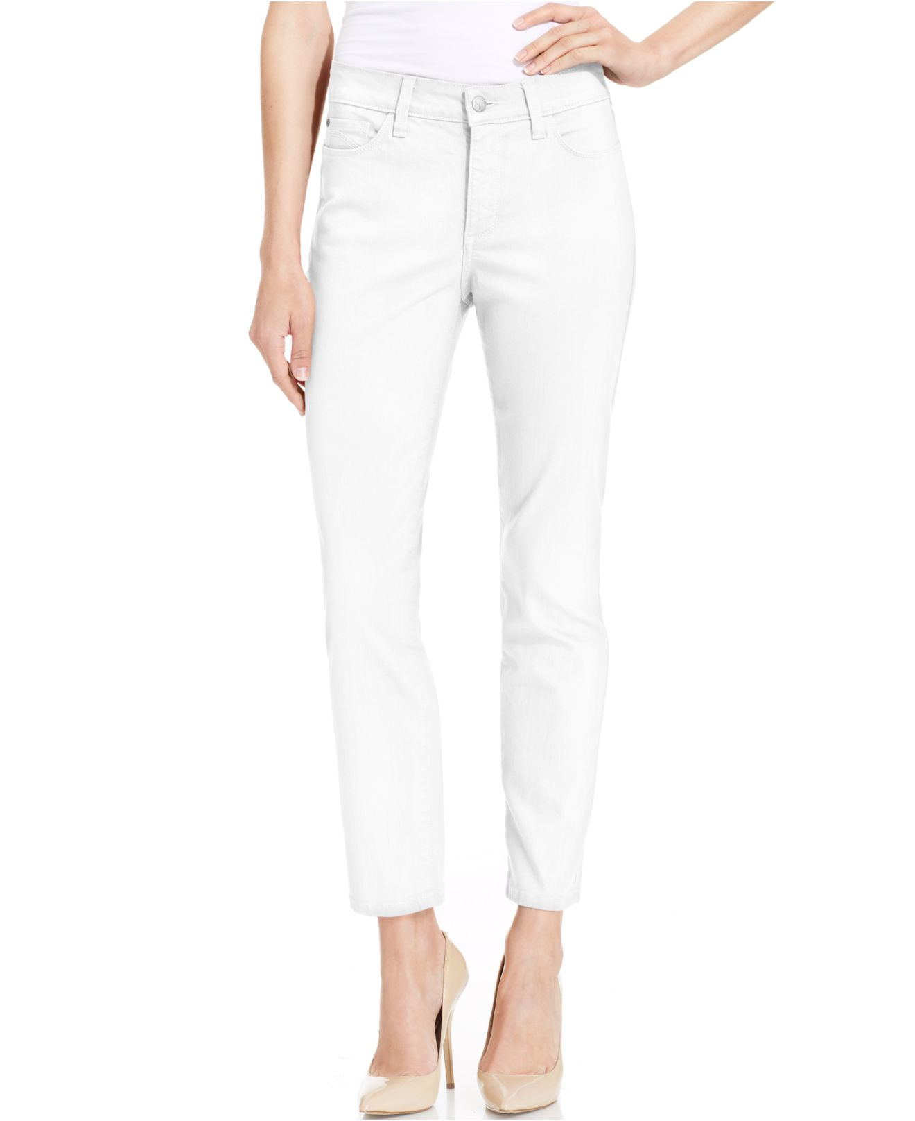 Free shipping on petite jeans for women at humorrmundiall.ga Shop for petite-size jeans from the best brands. Totally free shipping and returns.