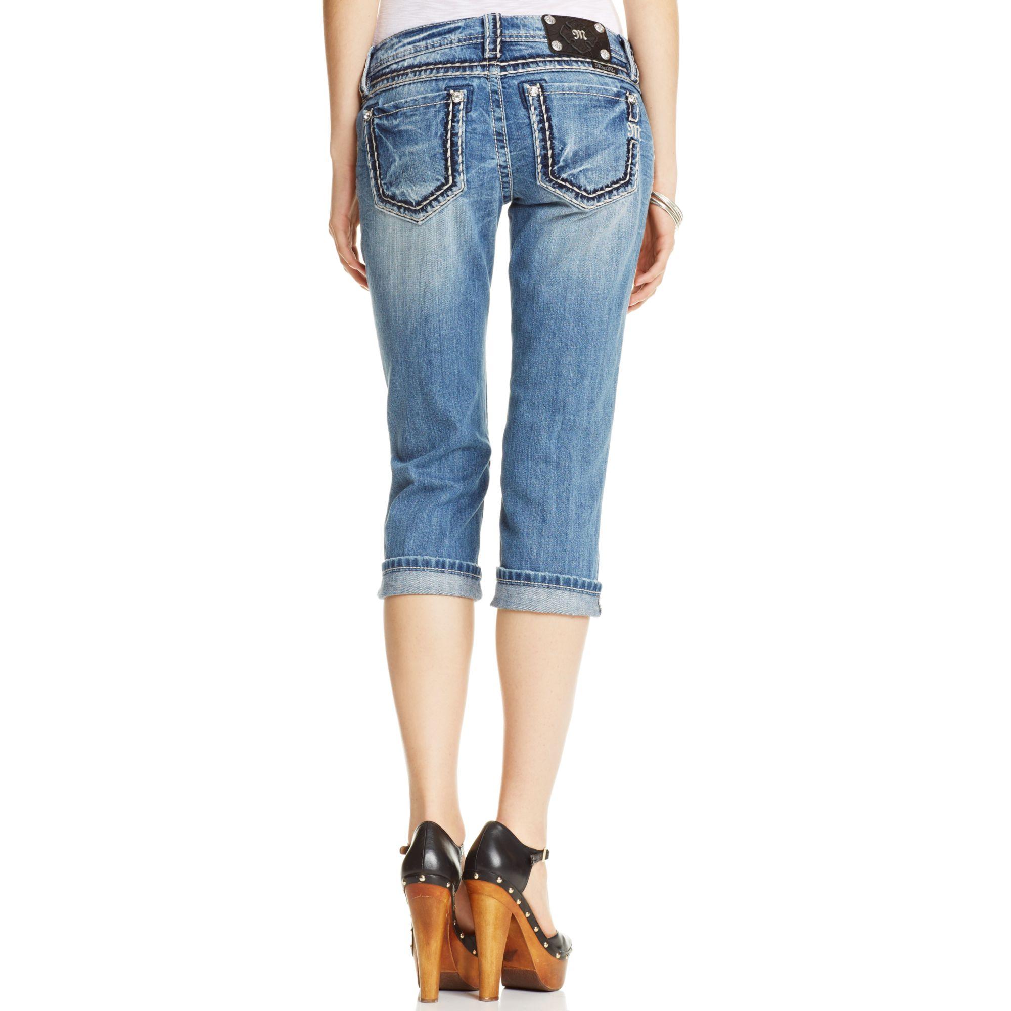 Miss Me Distressed Capri Jeans In Blue Lyst