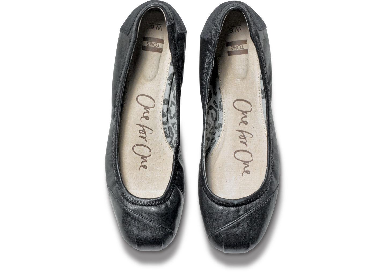 01e7f414f2c Lyst - TOMS Black Camila Women s Ballet Flats in Black