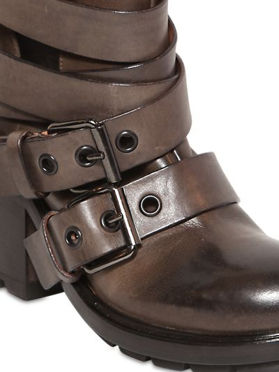 Strategia 80Mm Belted Calf Leather Boots in Taupe (Brown)