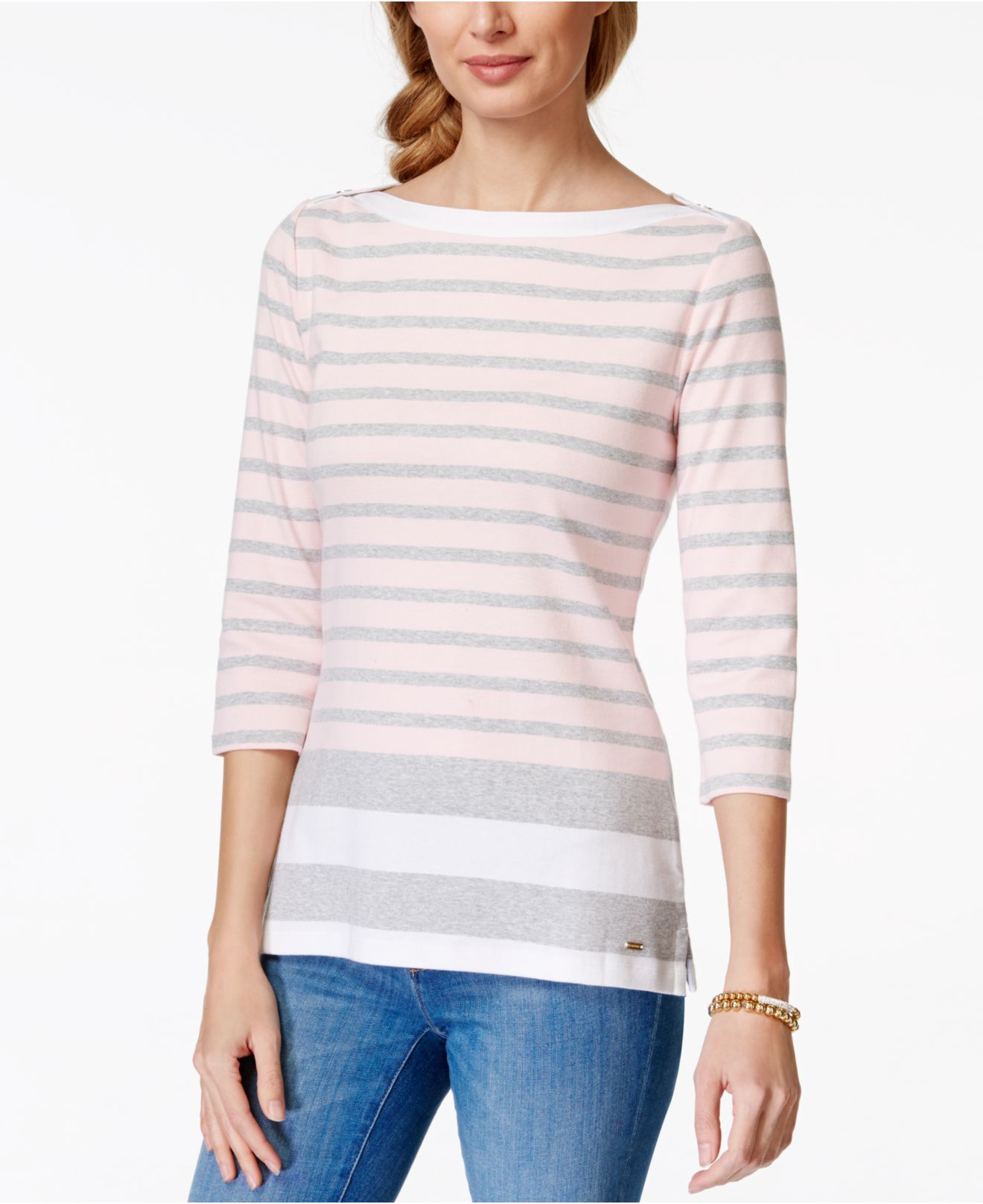 3 quarter sleeves t shirt featuring boat neck and contrast color striped. AvaCostume Women's White Black Striped Round Neck Long Sleeve Loose T-Shirt. by AvaCostume. $ POGTMM Long Sleeve Striped T Shirt Tunic Tops For Leggings For Women. by POGTMM. $ - $ $ 13 $ 17 99 Prime. FREE Shipping on eligible orders.