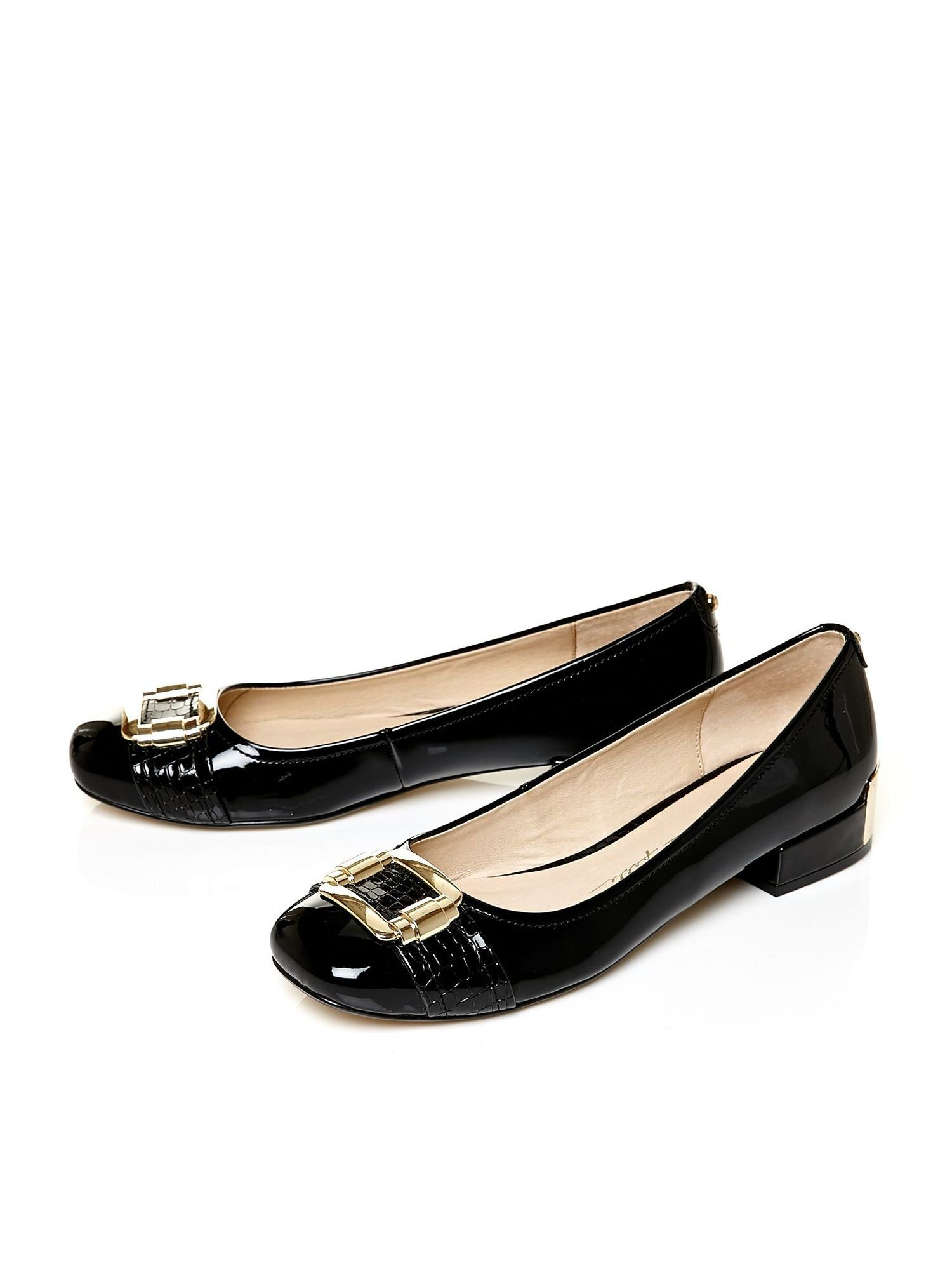 Moda In Pelle Court Shoes