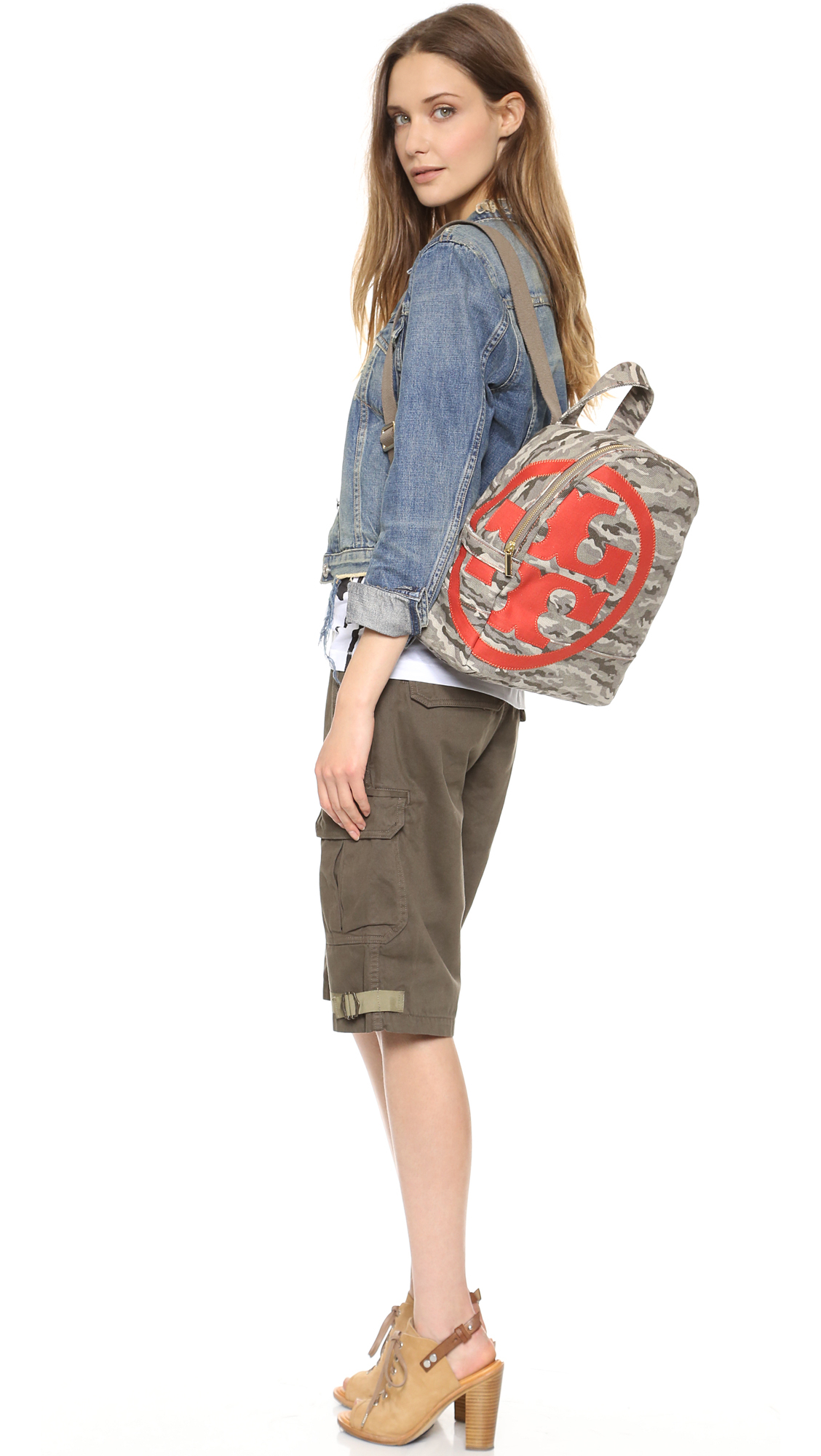 e6b8470234b Tory Burch Camouflage Canvas Logo Backpack in Green - Lyst