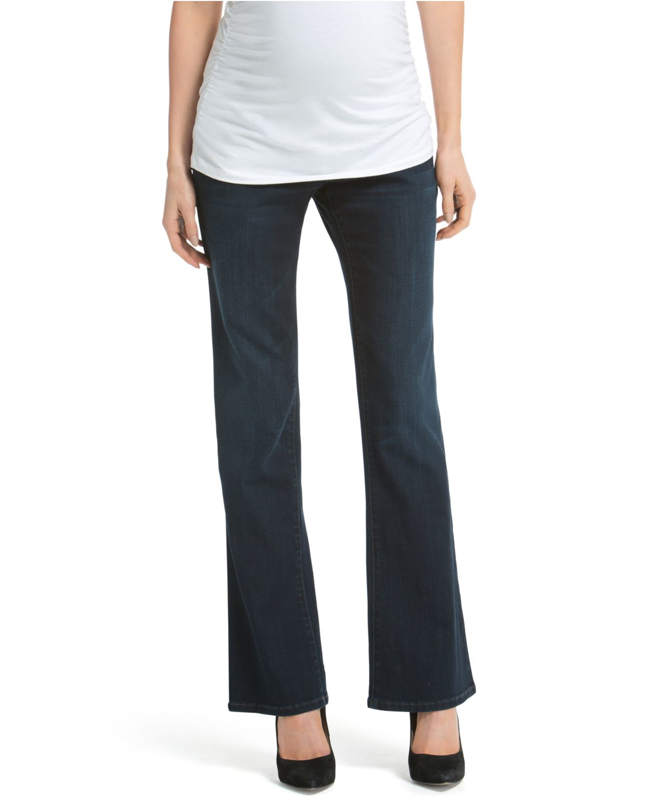 Find and save ideas about Wide leg jeans on Pinterest. | See more ideas about Trouser pants, Trouser jeans and Women's wide legged jeans. I really want a pair of great fitting dark wide flare jeans. Wide leg jeans are a great alternative to boring dress pants. Just make sure to find a dark wash, and you can easily pair them with a satin.
