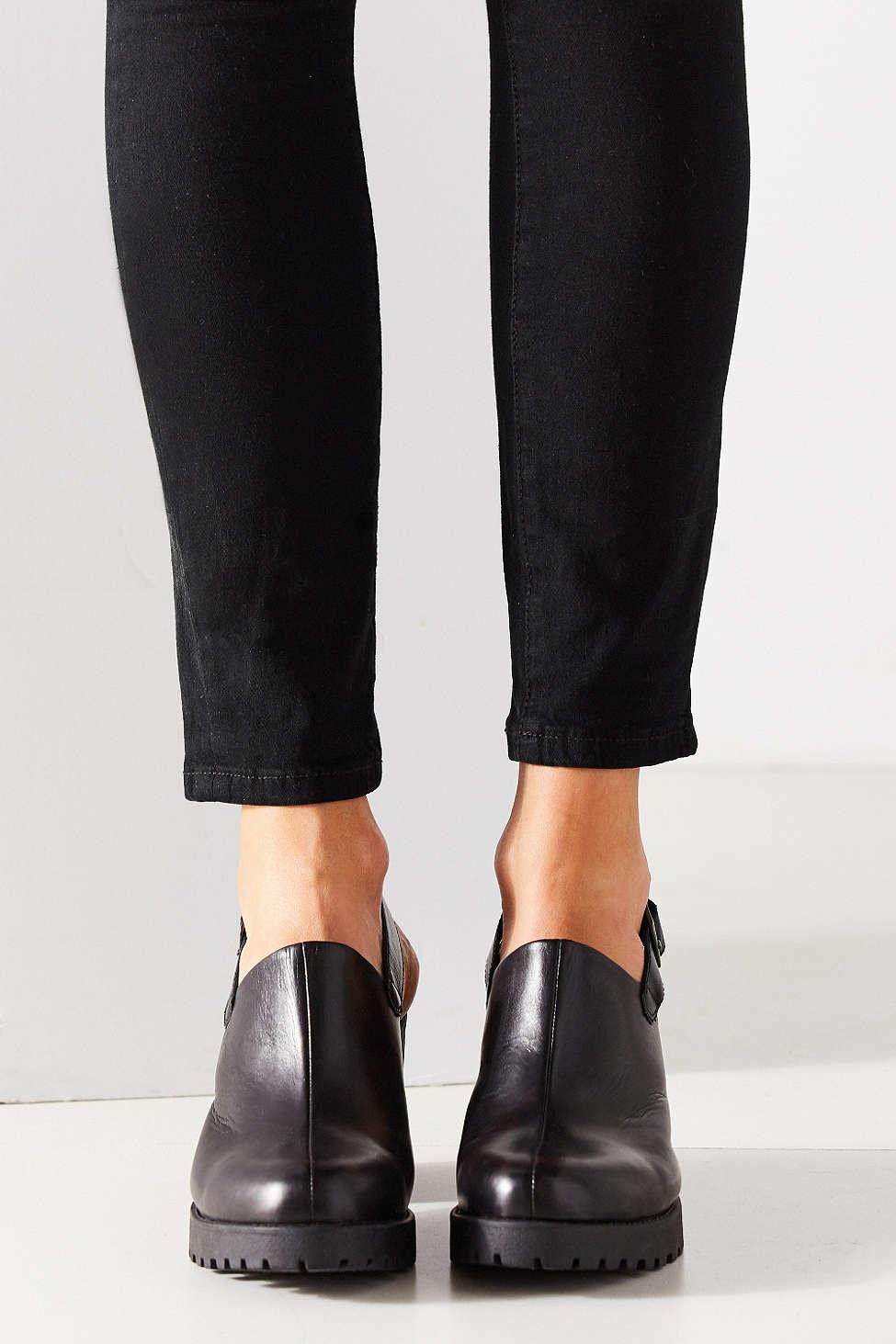 vagabond grace slingback mule heel in black lyst. Black Bedroom Furniture Sets. Home Design Ideas