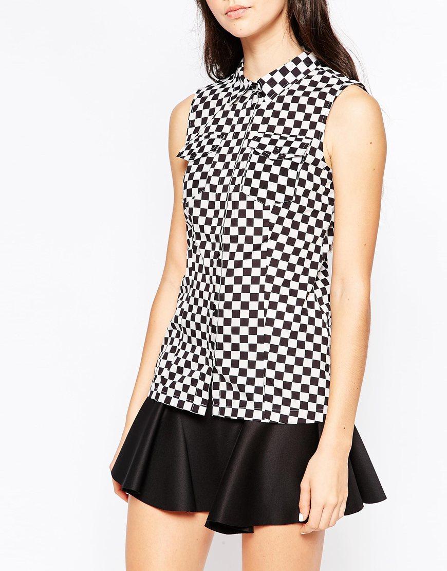 Lyst - Love moschino Checkered Sleeveless Shirt - Black ...