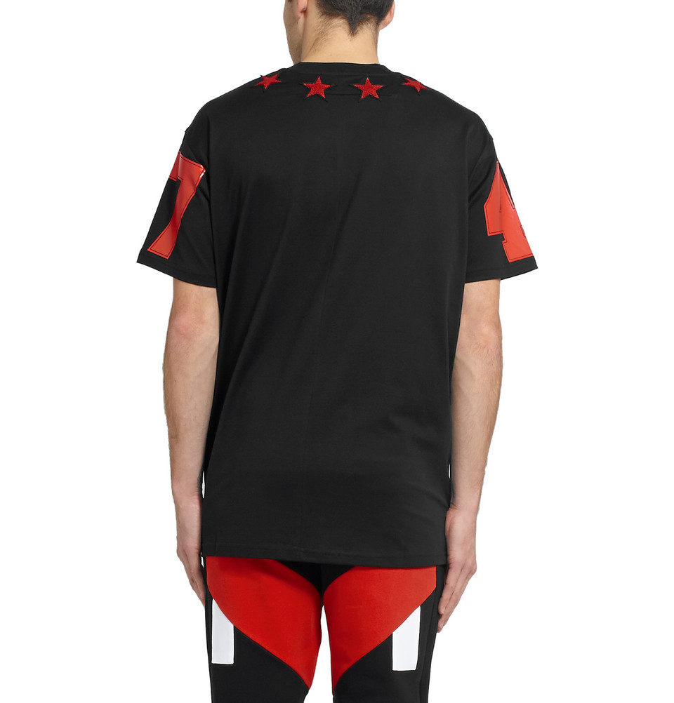 Givenchy boucl star appliqu t shirt in black lyst for Givenchy 5 star shirt