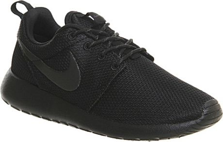 Womens Black \ White Nike Roshe Run Trainers | schuh