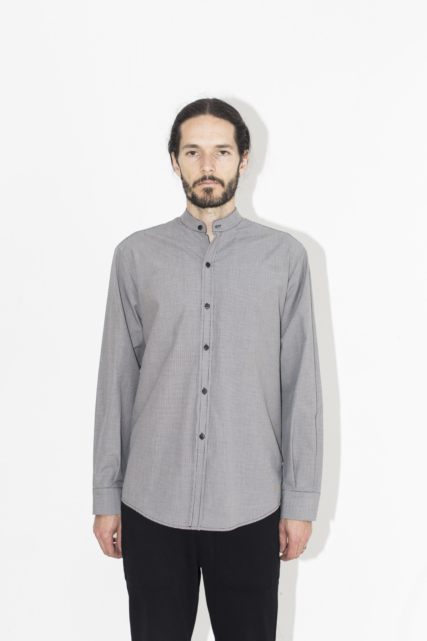 Some people find the no collar style to be quite bizarre when it comes to no collar shirts.