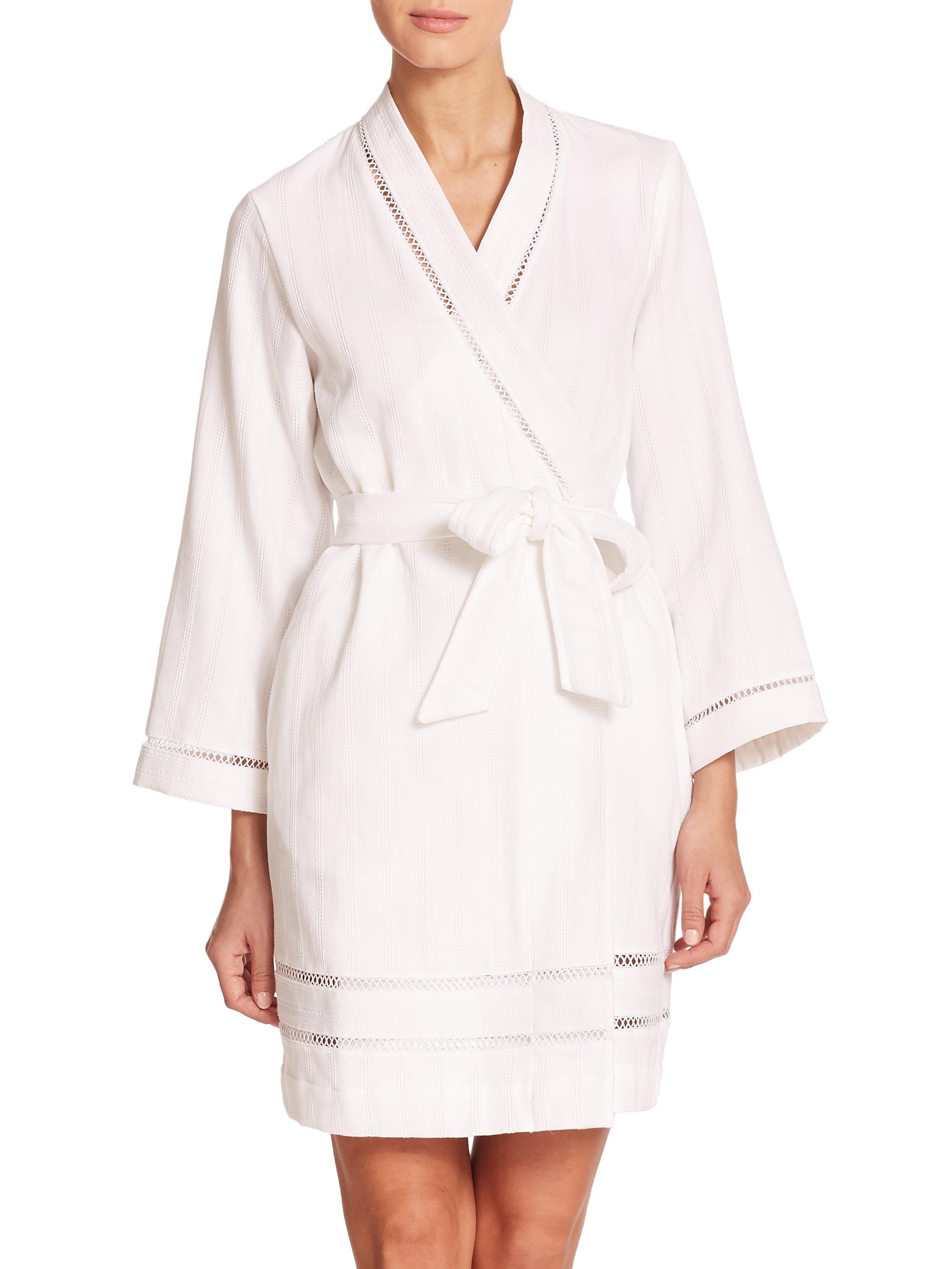 oscar de la renta luxe spa short cotton robe in white lyst. Black Bedroom Furniture Sets. Home Design Ideas