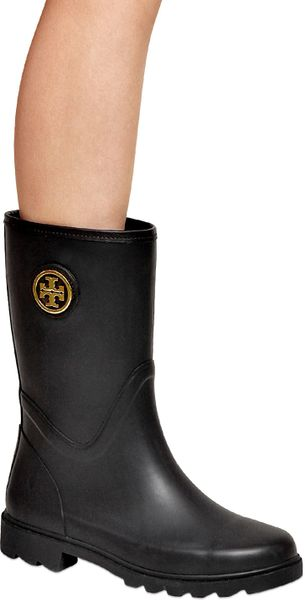Tory Burch 20mm Maureen Rubber Rain Boots In Black Navy