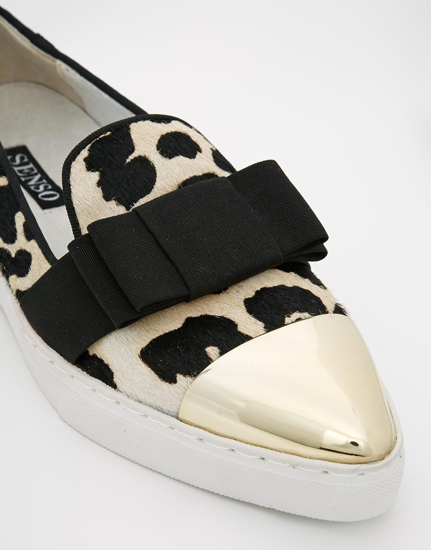 Visitors To Samui This Season Are Bound Notice The Cool Shoes On Feet Of Mary Claire And Ann Marie Senso Dree Flats Blend Ponyhair Leopard Print