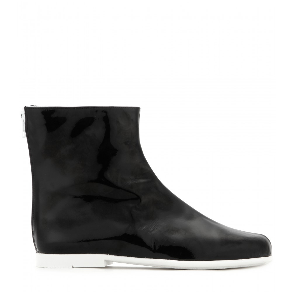 Courreges Patent Leather Ankle Boots in Black