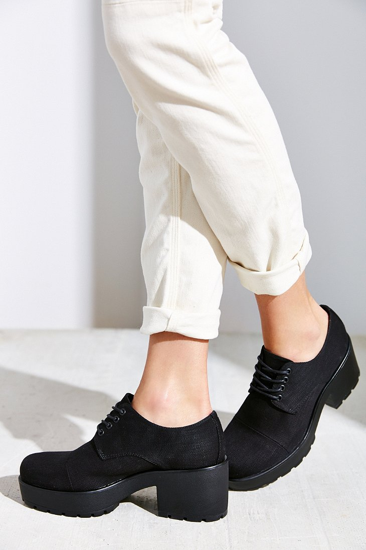 Black Canvas Shoes White Laces Tumblr