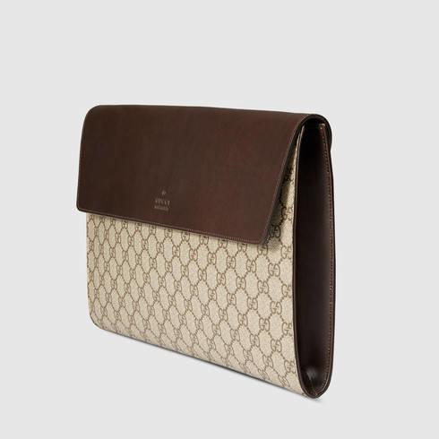 100% authentic f2cef c624d Gucci Gg Supreme Portfolio Case in Brown - Lyst