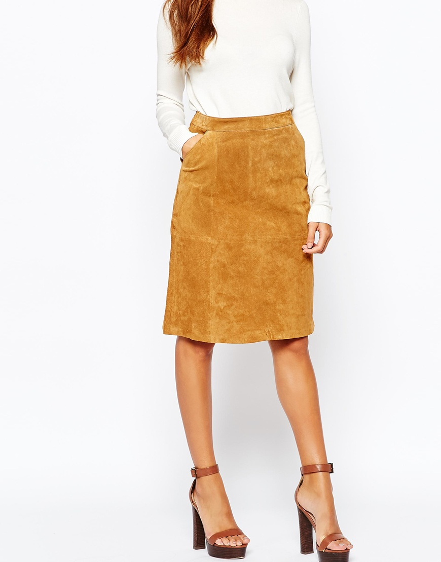 Genuine leather maxi skirt with back slit. Chestnut colored suede great for fall & winter. Gently worn. Size