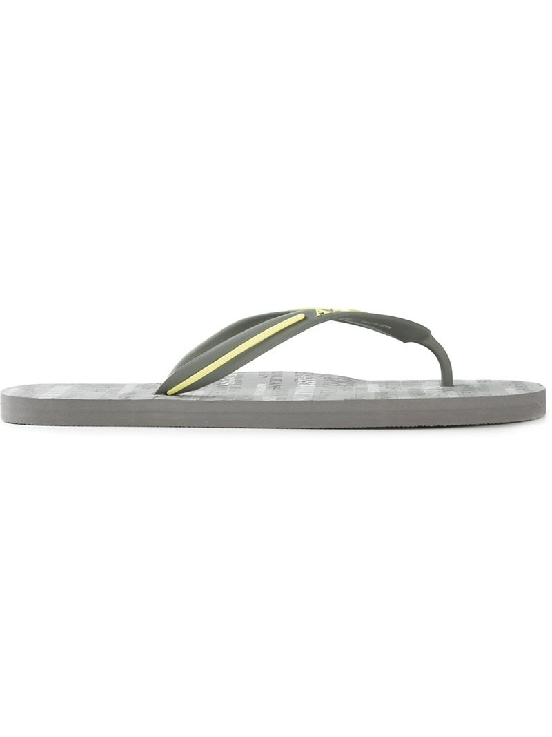 acec8166ad604a Armani Jeans Logo Print Flip Flops in Gray for Men - Lyst