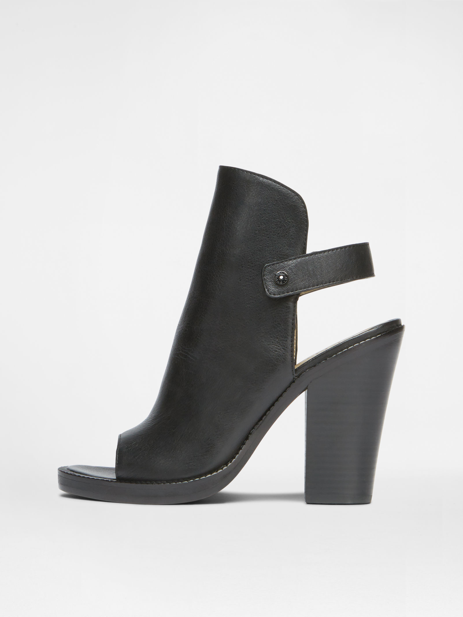 4ebb48a610 DKNY Whalen Welted Sandal in Black - Lyst