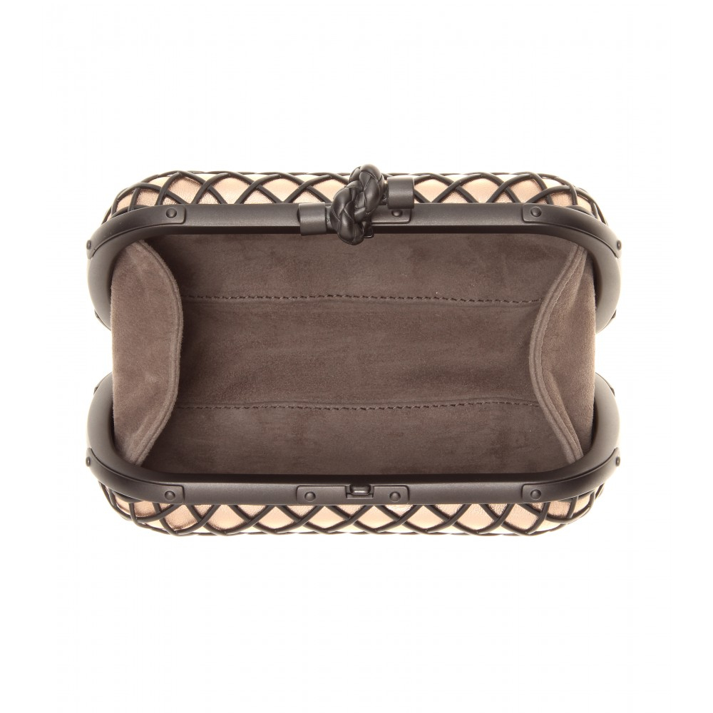 The Bottega Veneta Clutch Every Celeb Is Carrying - Yahoo