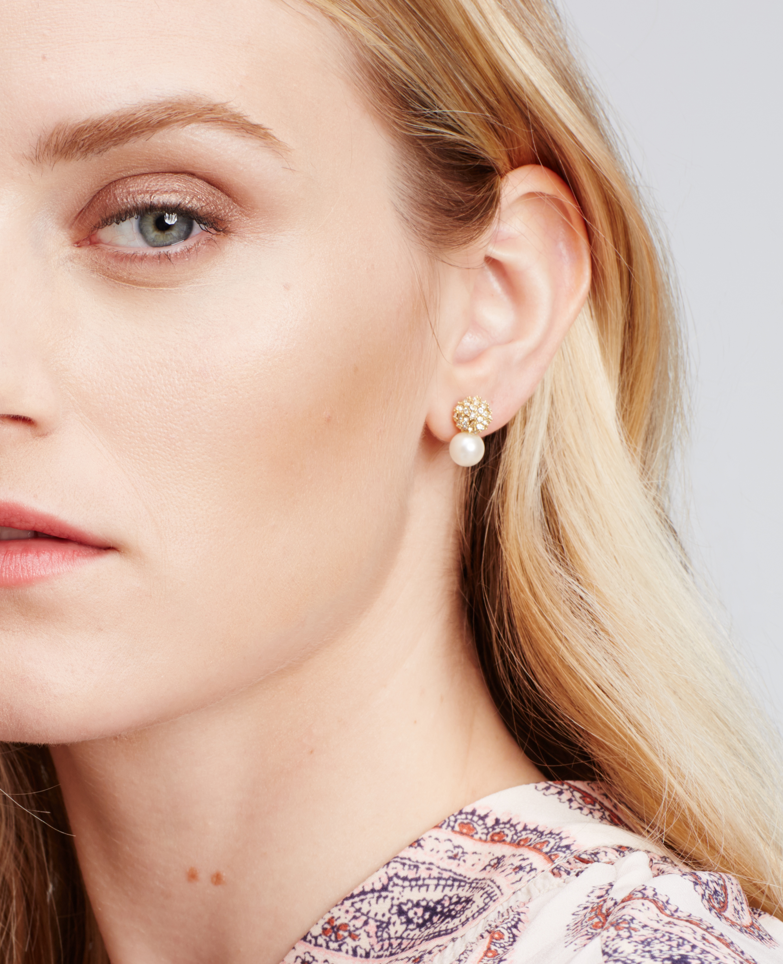 ANN TAYLOR Pave Stud Earrings LhZhCsKK9E