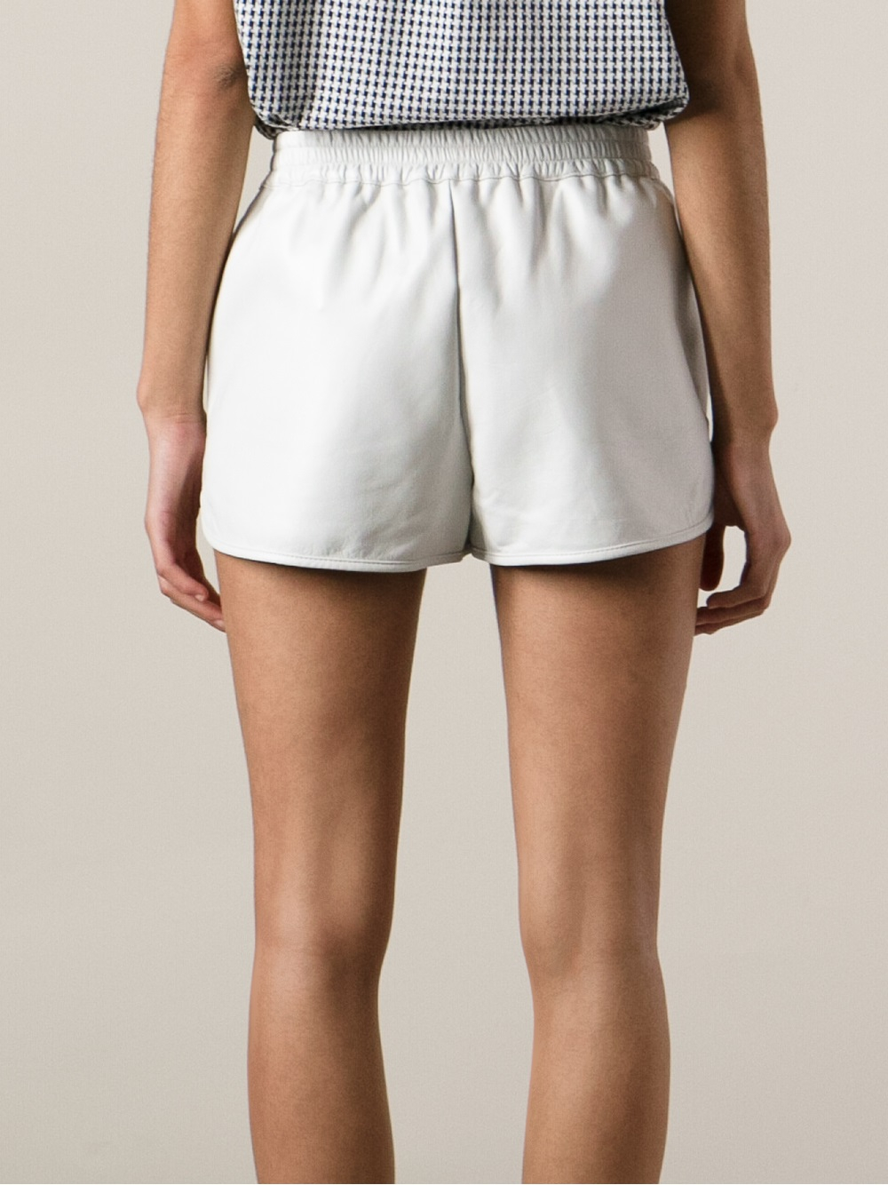 Discover women's shorts with ASOS. Shop for jersey shorts, denim shorts, leather shorts & other women's short styles.