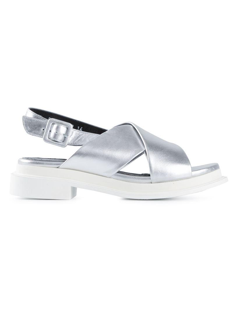 report sammy sandals