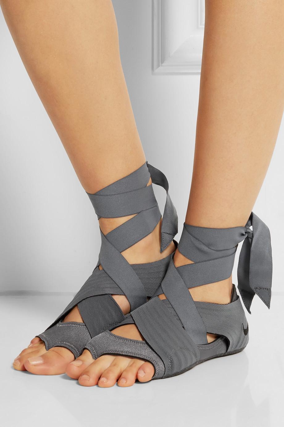 yoga shoes nike